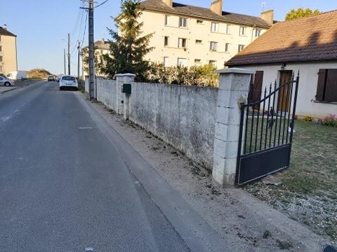 Nettoyage de mur à Beaugency, avant nettoyage